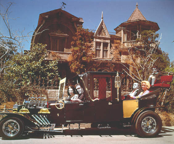 Avid Fan Of The Munsters Is Re Creating The Tv House In